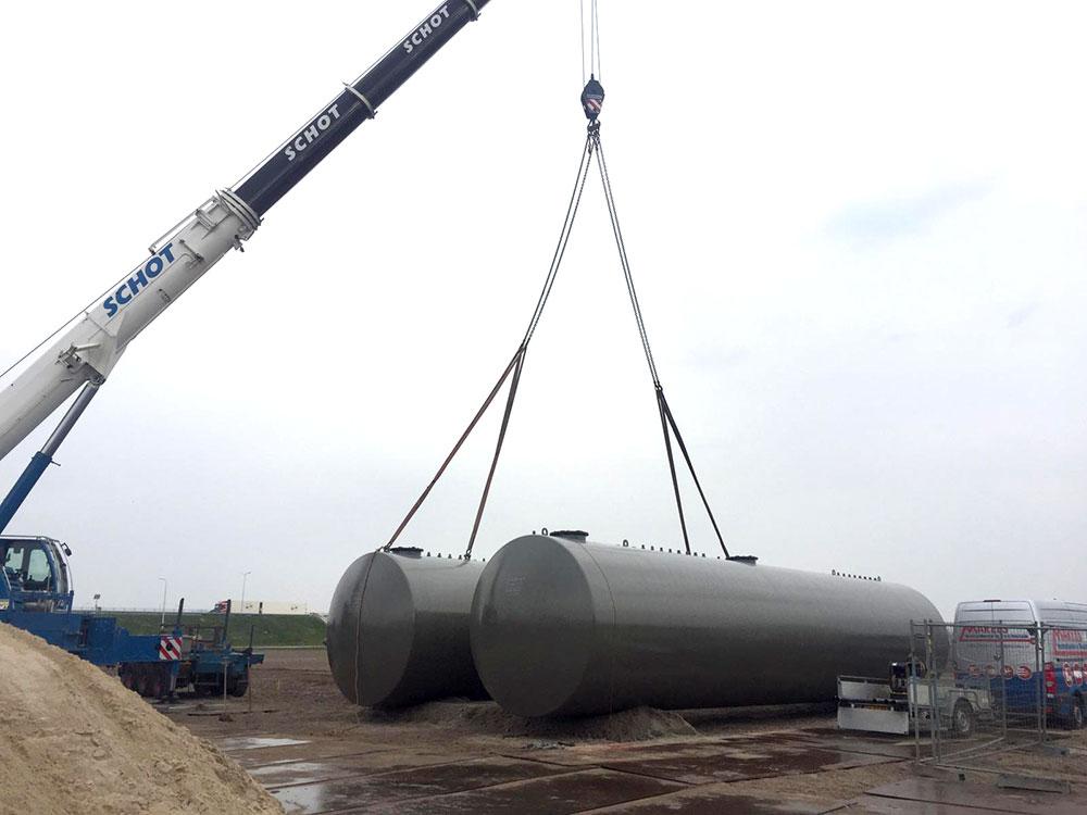 AVIA plaatst brandstoftanks op MTP Hoorn